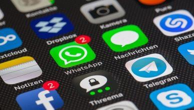 mobil que contiene tanto whatsapp como telegram