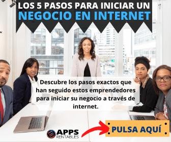 mujeres y un hombre reunidos para hablar de sus apps rentables