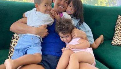 cristiano ronaldo con sus hijos