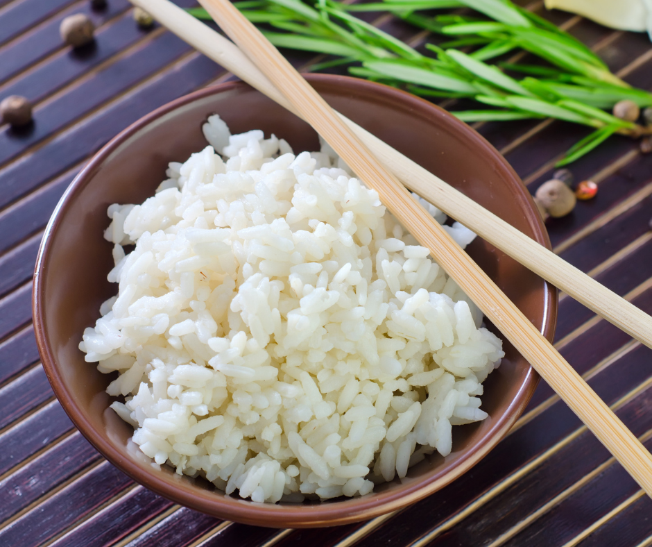 cocinar arroz blanco al estilo japonés
