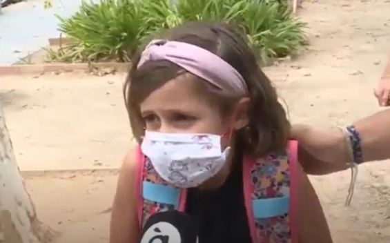 niña habla sobre medidas covid