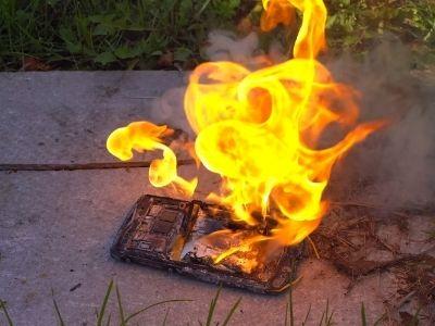 móvil quemándose